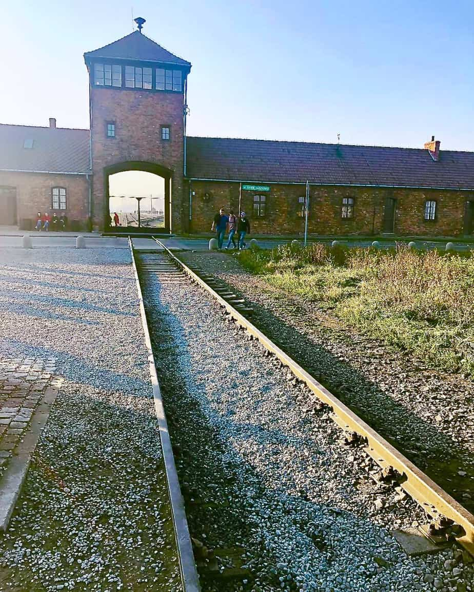 Train-tracks-entering-Birkenau
