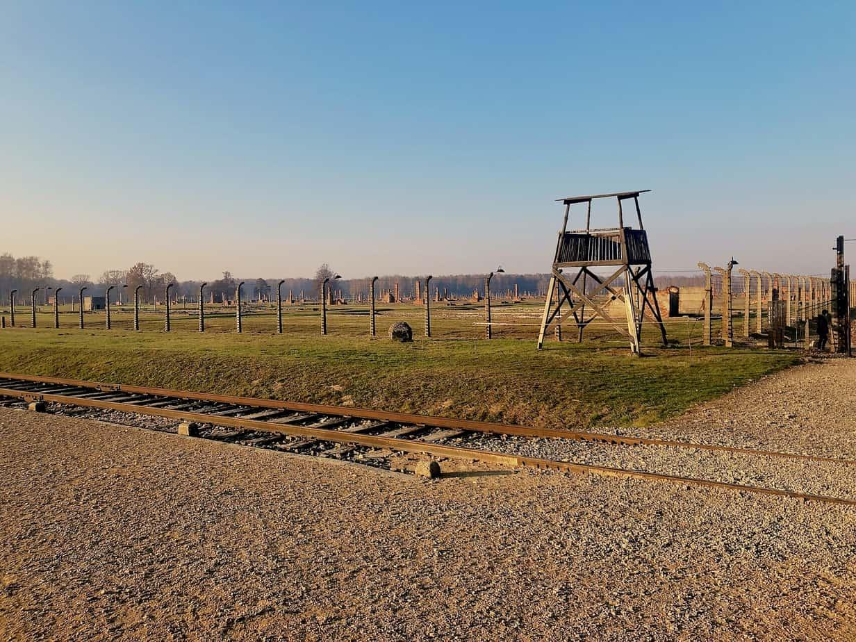 ruins-of-barracks-at-Birkenau