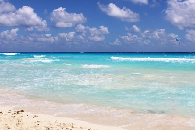 Cancun-beach-for-girls-trip
