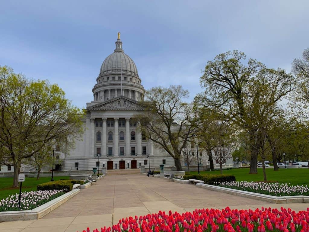 Girls-trip-to-Madison-Capital-Square-Wisconsin